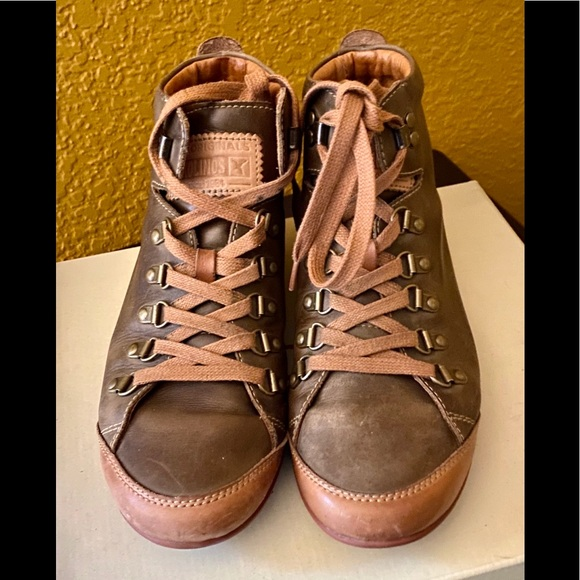 Lisboa Leather Sneaker 9 Euro 39 Euc
